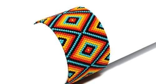 Peyote-pattern-bracelet