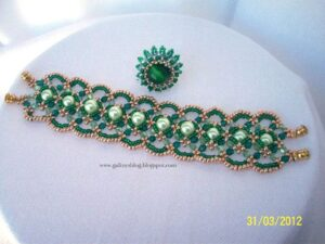 Maroon-bracelet-by-Galina-Nakova-Ellad2